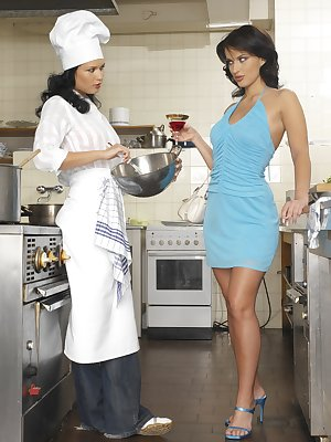 Denisa fucking a female chef in the kitchen