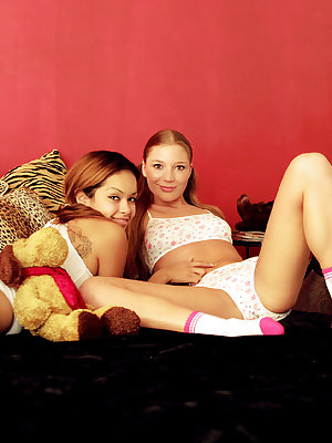 Adorable young chicks in hot threesome action