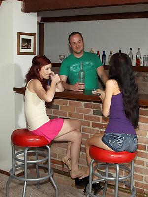 Elle Alexandra spread and licked by Tamara Jade before bottle insertions