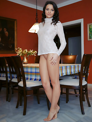 Ardelia A shows off her gorgeous ass and hot body on the table