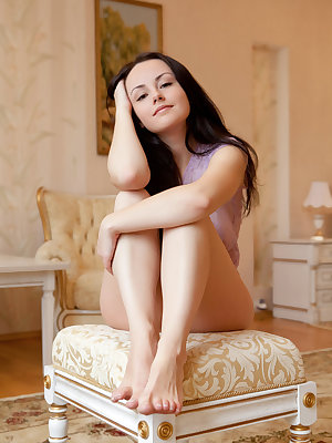 Mireille's voluptuous, naked body adorned with a pair of big, luscious breasts is a sight you wouldn't want to miss.