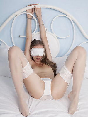 Gorgeous Milena D gets kinky in bed