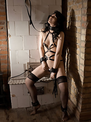 Feeling the lust and excitement of being   tied up like in a bondage scene, Cary   managed to untie herself and starts   finger fucking her wet, juicy pussy for   her debut series.