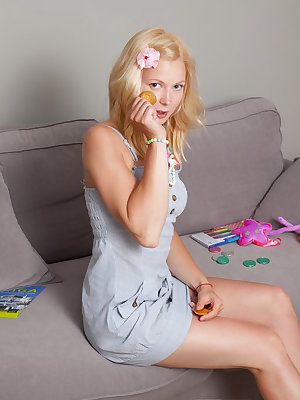A passionate girl like her knows how to play around with her pink teen pussy as she makes sure to keep herself entertained.