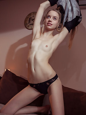 Her perfect body turns some heads around as she has some amazing fun with showing it off to you.