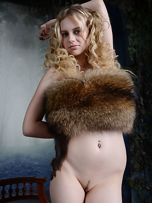 Curly haired blonde beauty shows the stuff of your dreams as she shows her juicy pussy with unusual scenery.
