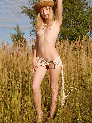 Naughty Russian beauty demonstrates her sweetest spots right on cam in this hot gallery.