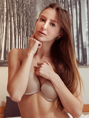 This wonderful doll has an amazing natural beauty which she shows off with absolute ease in her hot little show.