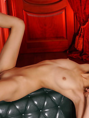 This flawless doll has the finest shapes and she has incredible fun with showing them off to the camera.