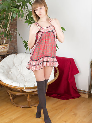 Selecting big measures not always bring satisfaction as well pleasure. This gorgeous fresh babe has measures that fit always.