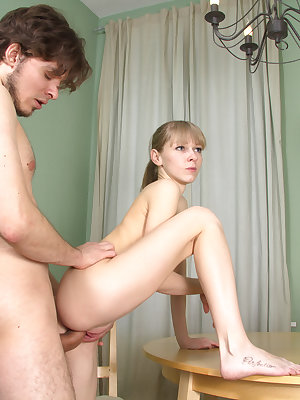 Fresh persons are often under stress without sex. To avoid problems this great looking stud nails up his pretty blonde girlfriend.