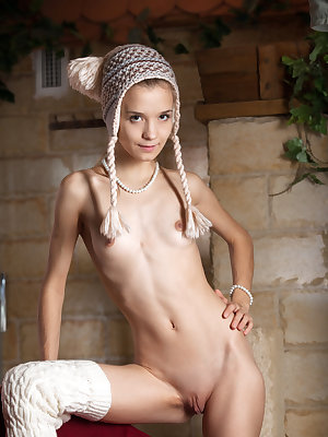 Adorable cutie Alisabelle in legwarmers spreading to reveal her tiny teen muff