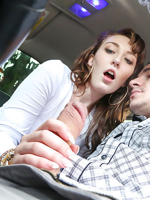 Young teen girl Lilith Addams jerking off her boyfriend's cock in car