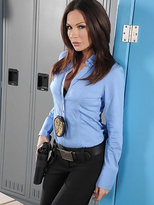 Sexy police officer Kirsten Price strips and exposes her exotic body