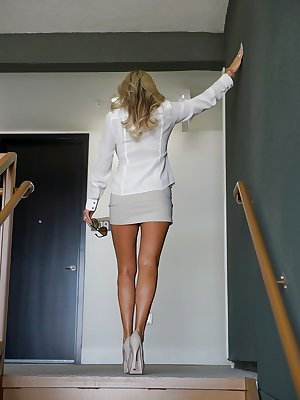Classy wife Sandra Otterson with top-class body and perfect boobs