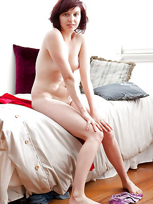 Cute amateur babe Felicity C stripping off jeans to spread hairy bush