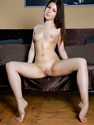 Teenage beauty Shantel loves spreading her incredible cunt home alone