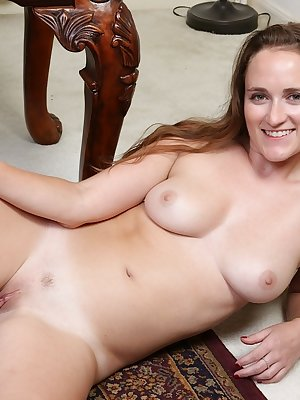 Teen amateur Wilma strips off her skirt and top to show off her twat