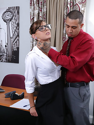 Teen secretary Dakota Vixin quickly discovers her boss's need for rough sex