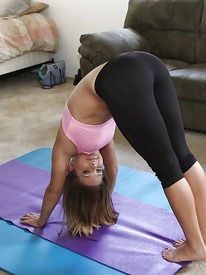 Flexy amateur with big tits Megan Fenox slipping off her sport outfit