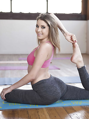 Blonde cutie Kinsley Eden working out barefoot in form fitting yoga pants