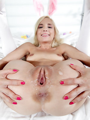 Flexible Piper Perri contorts to show gaping pussy & creampie after banging