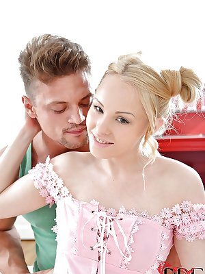 Smoking hot blonde teen Lola Taylor is being nicely licked out