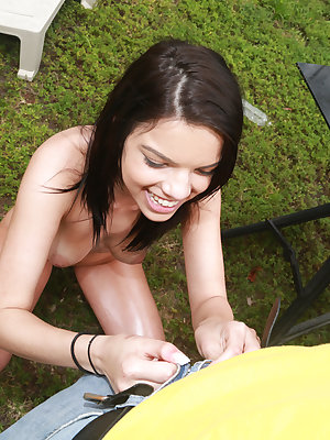Cumshot scene features brunette girlfriend Carrie Brooks outdoor